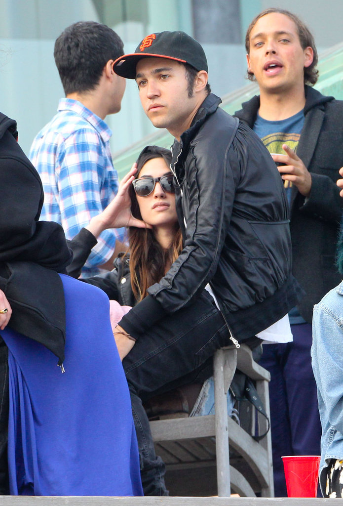 Pete Wentz and his girlfriend partied with friends for the Fourth in Malibu.