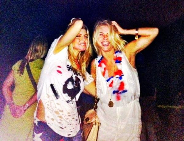 Fergie and Julianne Hough partied together on the Fourth of July. Source: Twitter user juliannehough