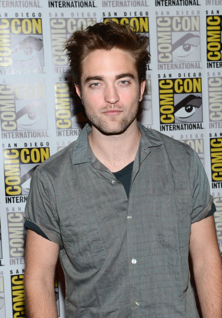 Robert Pattinson posed for pictures.