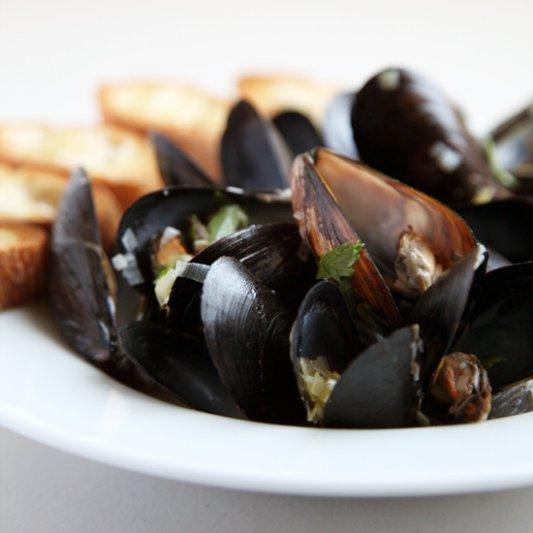 Julia Child's Steamed Mussels Recipe