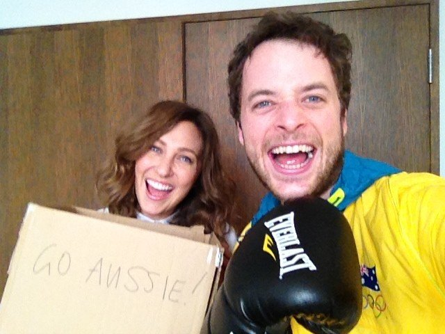 Hamish Blake and fiancée Zoë Foster had different interpretations of supporting the boxing at the Olympics. Source: Twitter user hamishandandy
