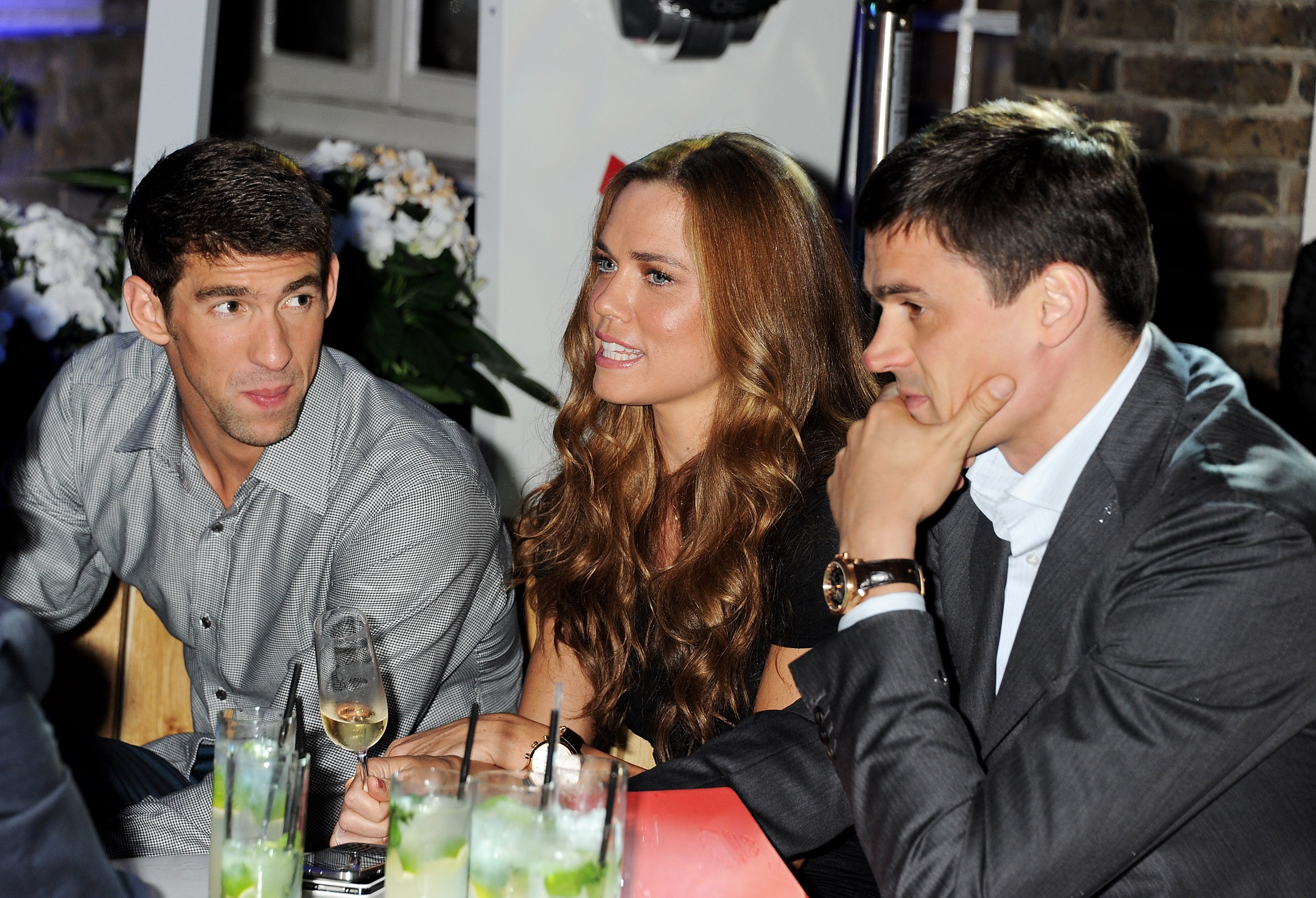 Michael Phelps relaxed with Natalie Coughlin and Alexander ...