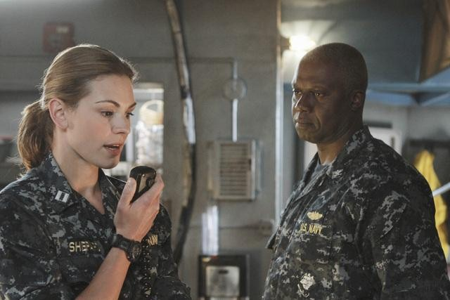 Daisy Betts and Andre Braugher in Last Resort.