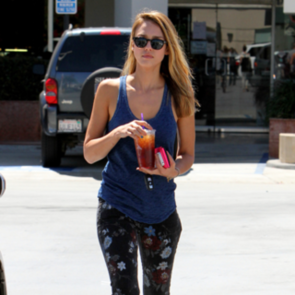 Jessica Alba Wears Floral Printed Jeans for Target Practice for Sin City: See How See Works This Trans-seasonal Trend!