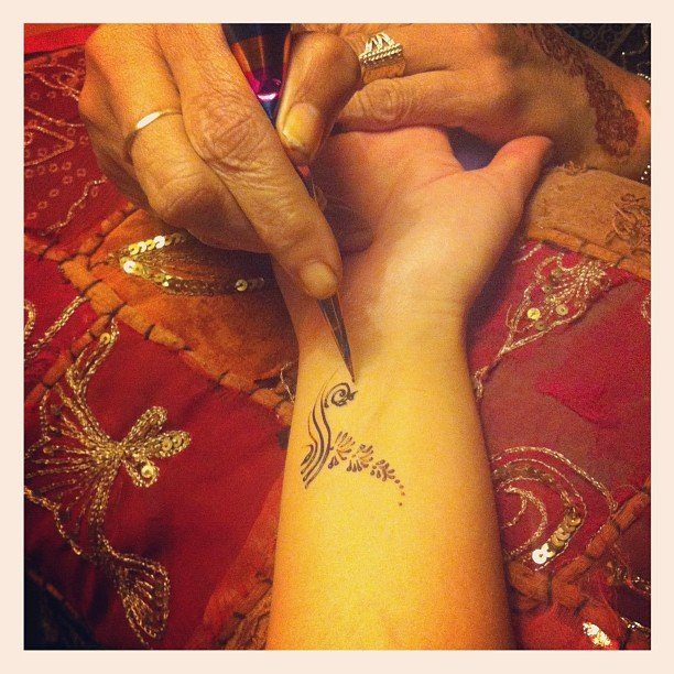 Alison had a beautiful henna tattoo painted on at an Aveda launch . . .