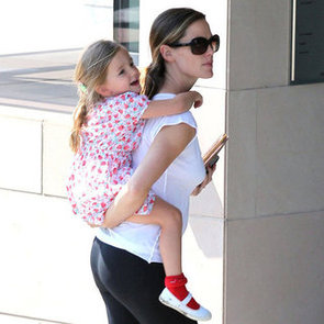 Jennifer Garner Gives Seraphina a Piggyback Ride | Pictures