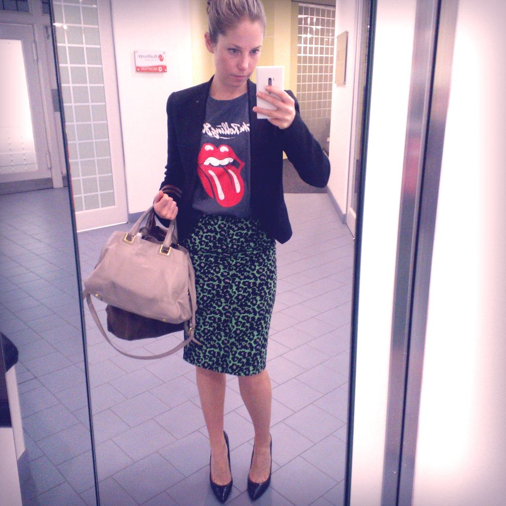Good to know: pencil skirt + sky high stilettos = teeny, tiny steps! Not good when I'm running between appointments. I wore my favourite vintage tee, trusty Zara blazer, new season Anna & Boy skirt and the pumps I'm still breaking in from Zara in Darlinghurst.