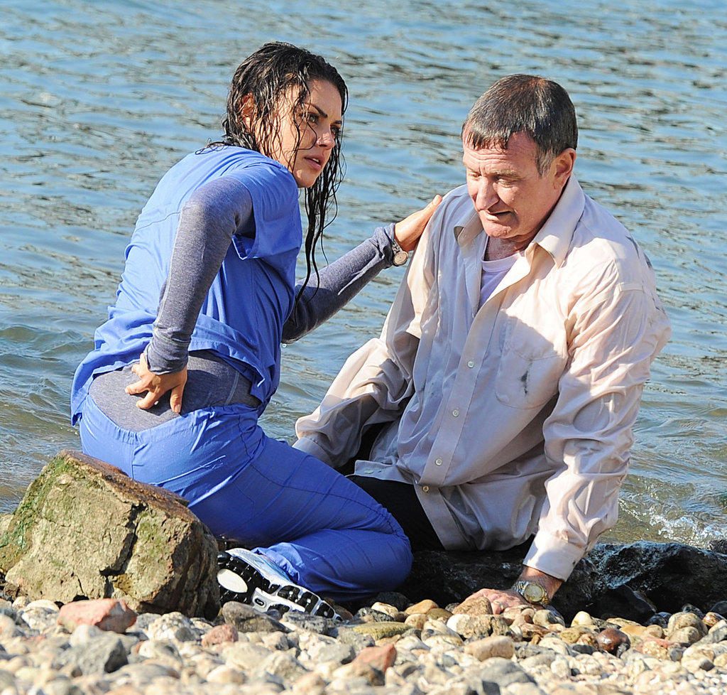 Mila Kunis and Robin Williams worked on a scene.