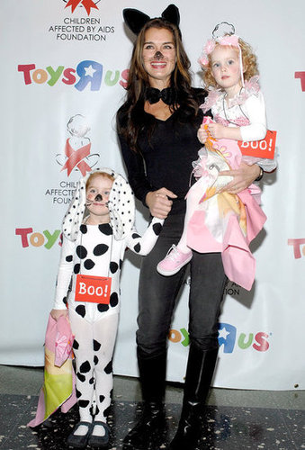 Brooke Shields got catty on a 2009 Halloween red carpet in NYC.