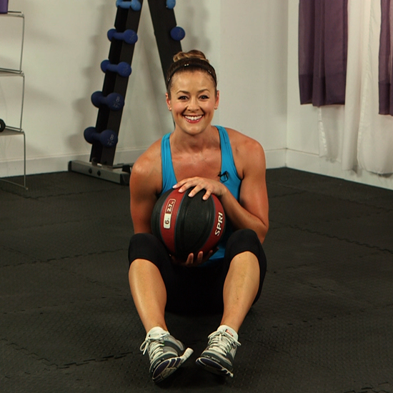 How to Do a Seated Russian Twist With a Medicine Ball ...