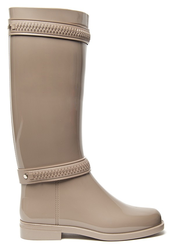 Crafted in the brand's must-have zipper style, this nude Givenchy Zipper Rain Boot ($295) is everything you'd want from an everyday go-with-everything boot.