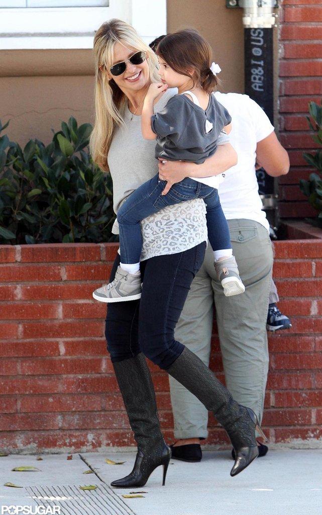 Sarah Michelle Gellar carried Charlotte in LA.