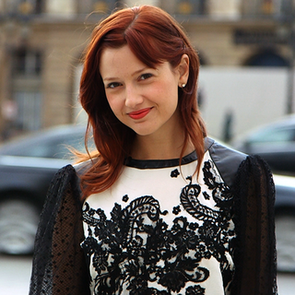How to Dress For Paris Fashion Week (Video)
