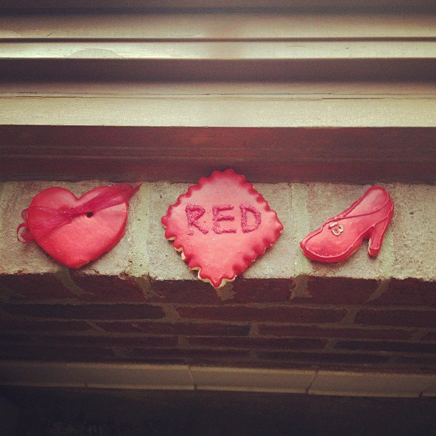 Taylor Swift celebrated her new album, Red, with some cookies. Source: Instagram user taylorswift