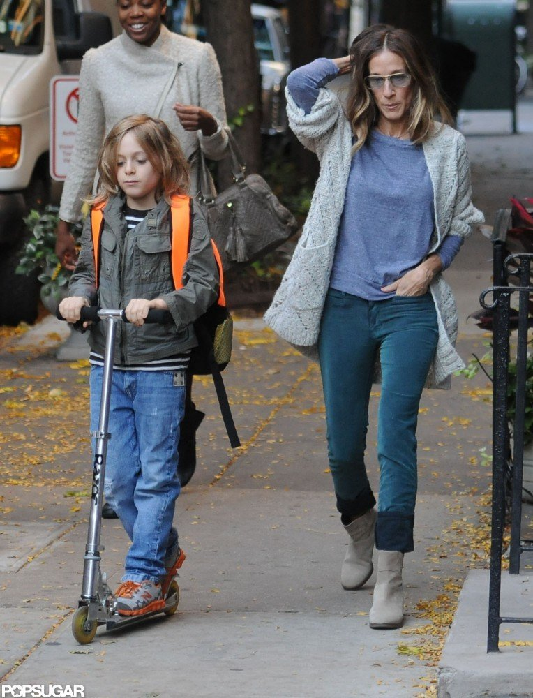 Sarah Jessica Parker and James Wilkie Broderick walked to school in NYC.