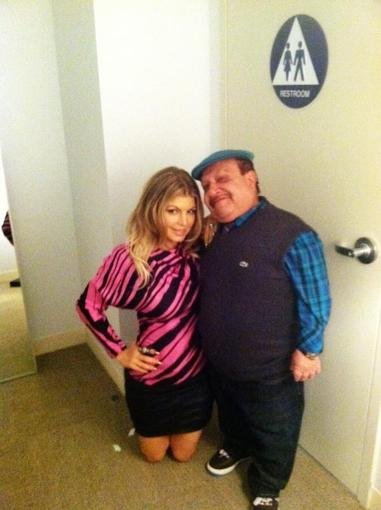 Fergie got down on Chuy's level during her visit to Chelsea Lately. Source: Twitter user ChuyBravo