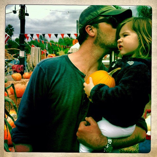 Tiffani Thiessen and Brady Smith took Harper to the pumpkin patch to pick the perfect gourd. Source: Instagram user tathiessen