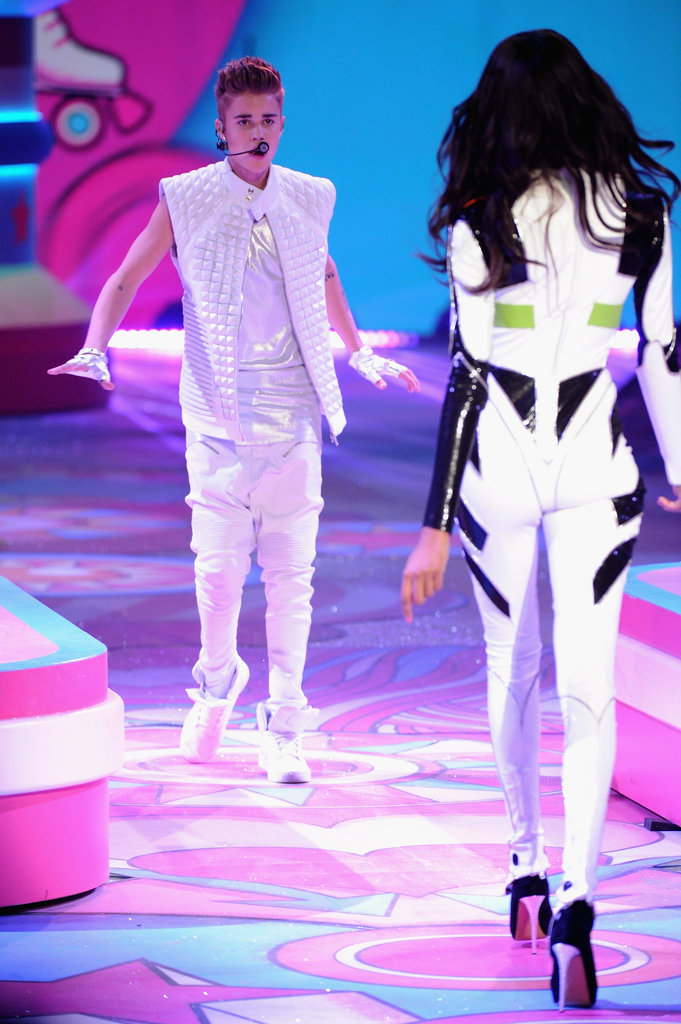 Justin Bieber wore all white to perform.