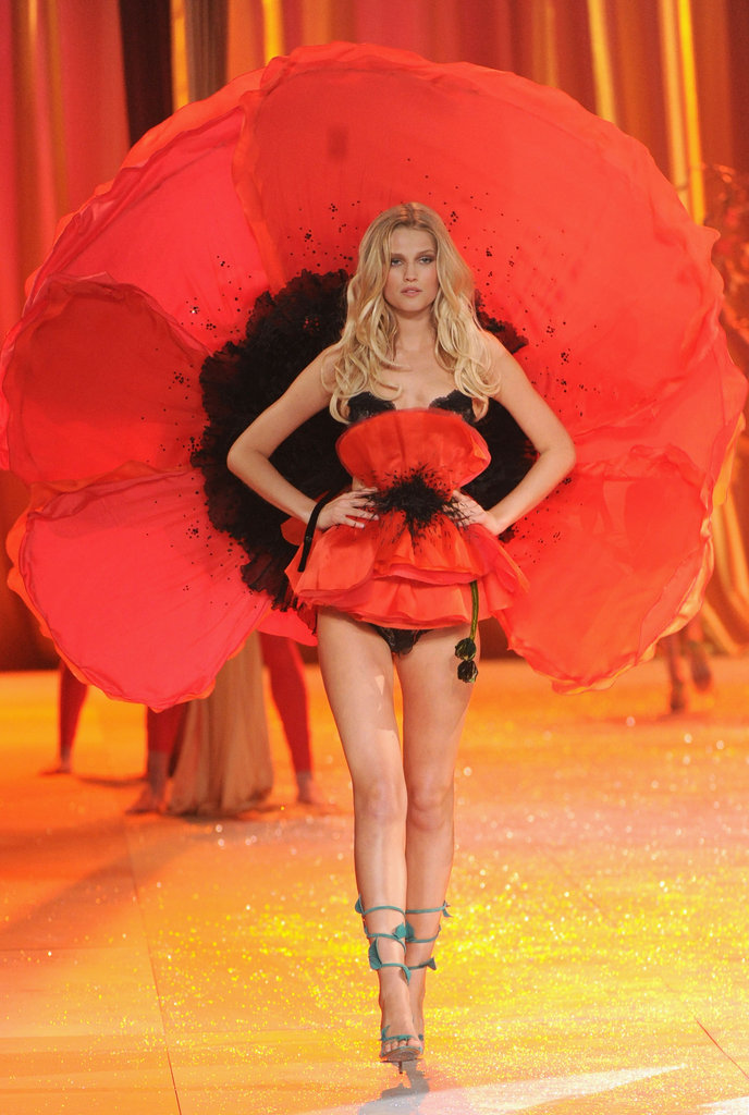Toni Garrn wore a giant poppy as part of the Victoria's Secret Fashion show in NYC.