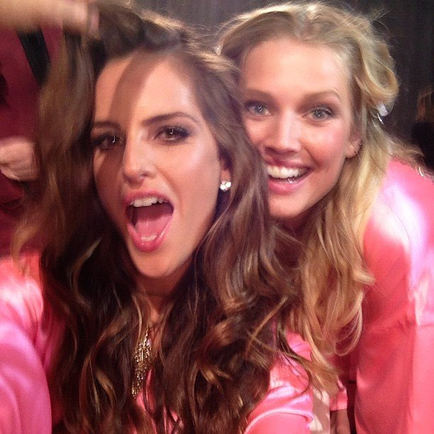 Izabel Goulart joked around with a friend. Source: Instagram user iza_goulart
