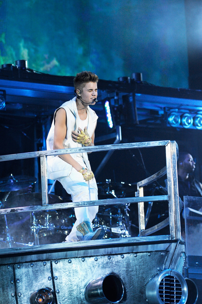 Justin Bieber gave a performance in Boston.