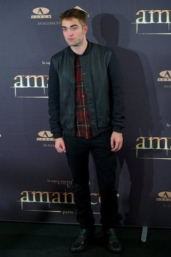 Robert Pattinson was in Madrid to promote his new film Breaking Dawn —Part 2.
