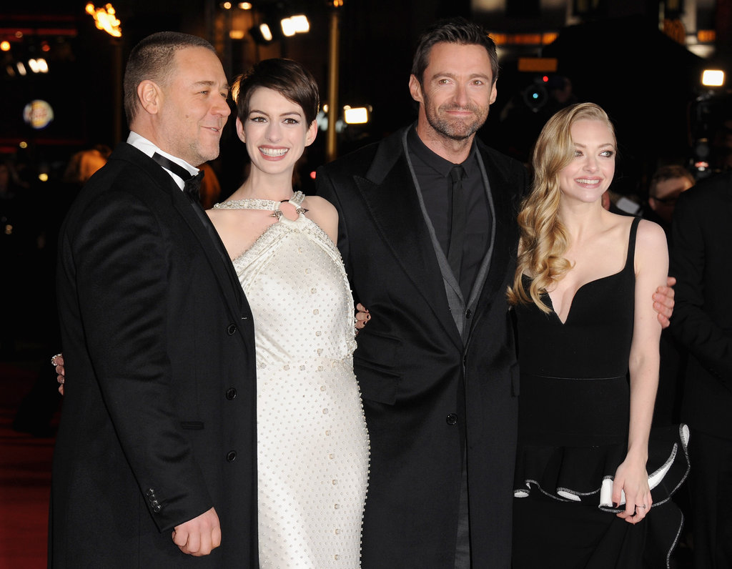 On December 5, the main cast of new movie Les Misérables — Russell Crowe, Anne Hathaway, Hugh Jackman and Amanda Seyfried — attended the world premiere in London.