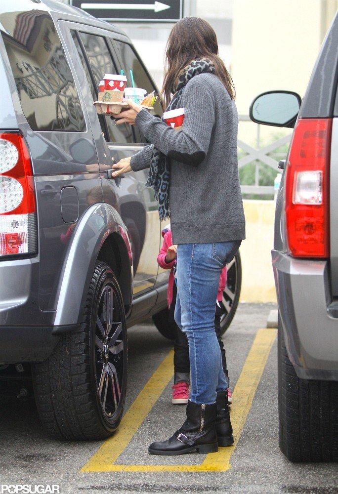 Jennifer Garner got the door for Seraphina Affleck.