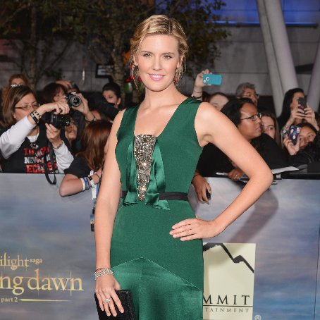 Maggie Grace Yoga Workout