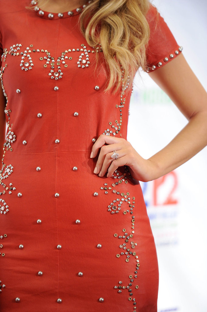 Blake Lively wore her engagement ring on the red carpet.