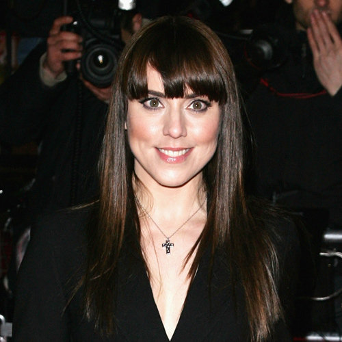 Super dark and super sleek — with a fringe! — in March 2007.