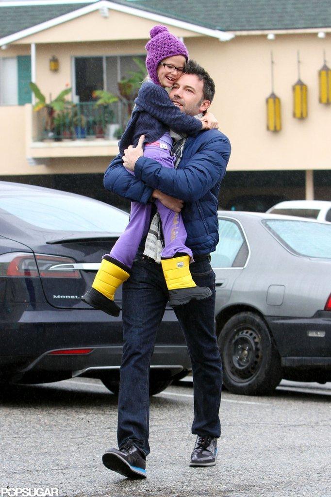 Ben Affleck hugged a toothless Violet Affleck.