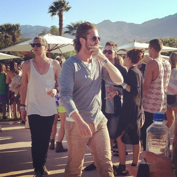 We spotted Gerard Butler keeping a low profile as he strolled the Coachella grounds.