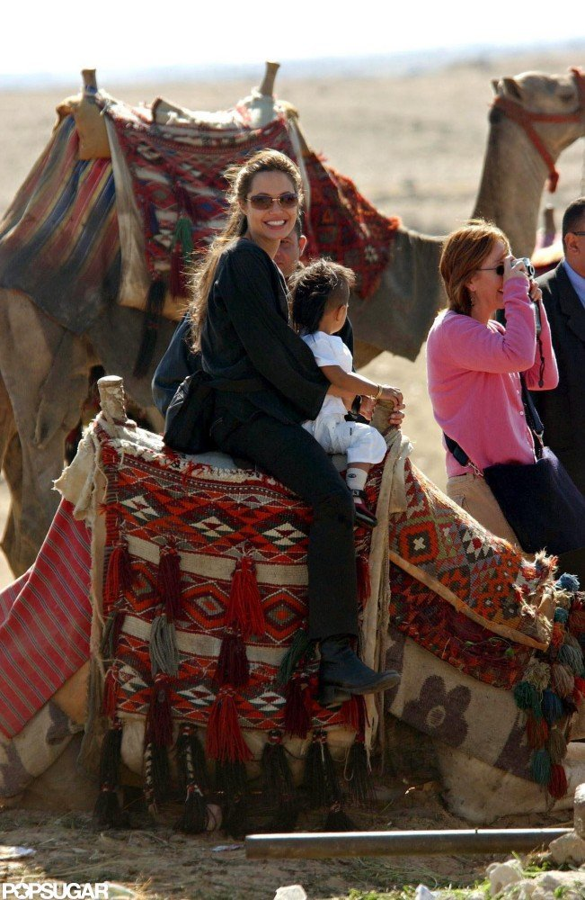 Angelina Jolie traveled in Egypt in December 2003 with Maddox.