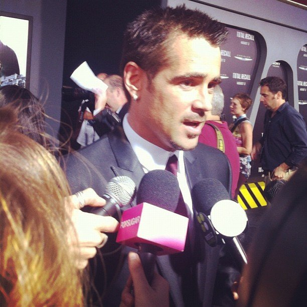 At the film's premiere, Colin Farrell joked around with us about which leading lady in Total Recall was tougher.