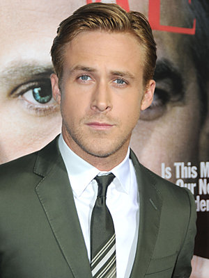 'Ryan Gosling' from the web at 'http://media3.popsugar-assets.com/files/2012/12/51/4/192/1922398/dabe70dd8d38c95e_ryangosling.xxxlarge_2/i/Ryan-Gosling.jpg'