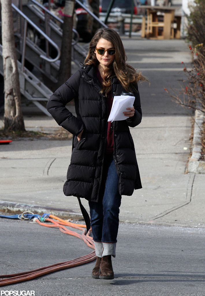 Keri Russell tucked her hand in her pocket.