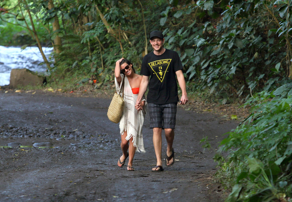 Lea Michele and Cory Monteith stepped held hands in Hawaii.