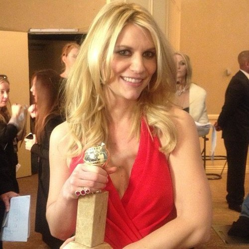 Claire Danes clutched her Golden Globe in the press room. Source: Instagram user goldenglobes