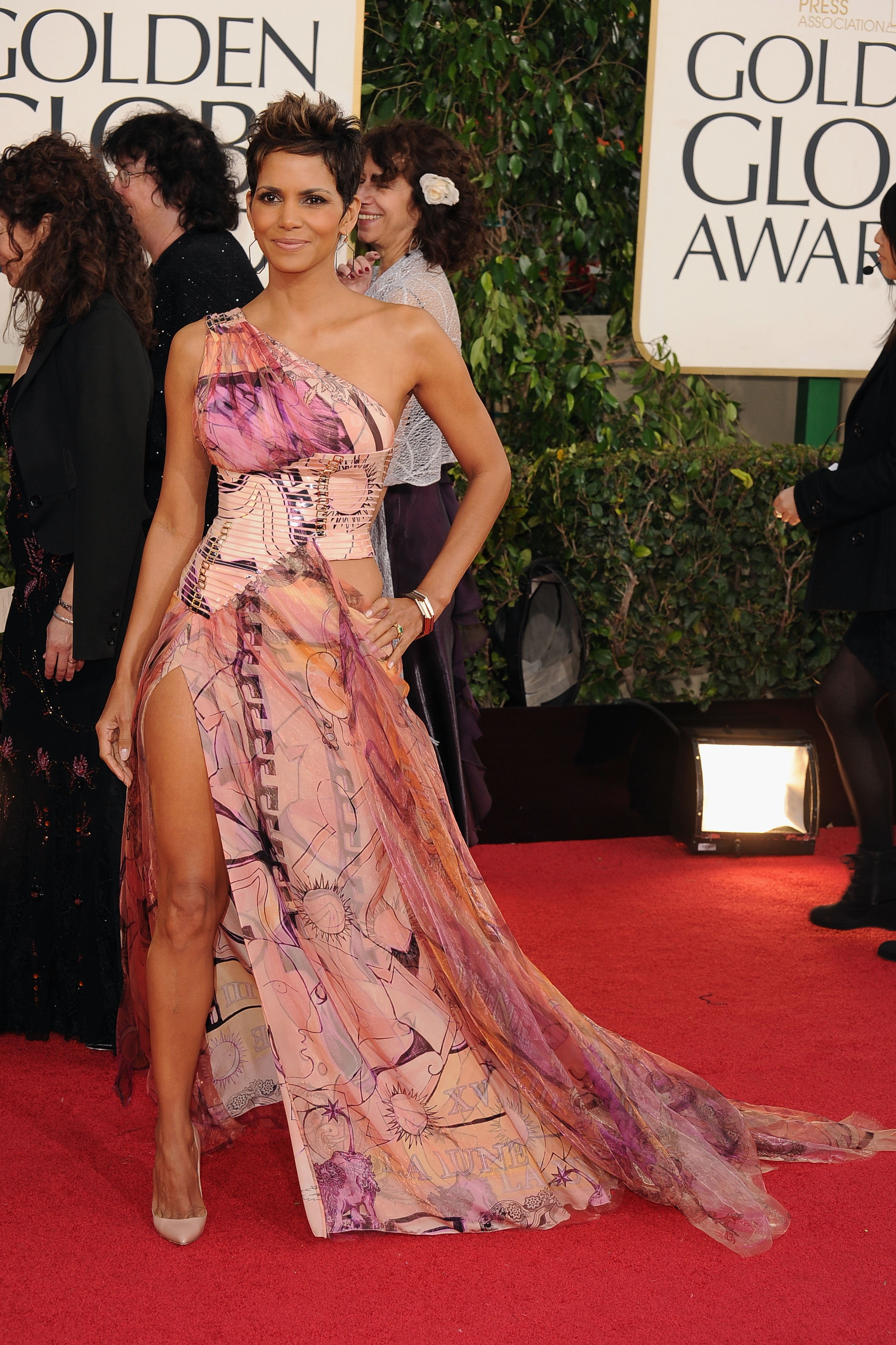 Halle Berry took the red carpet by storm Sunday night.