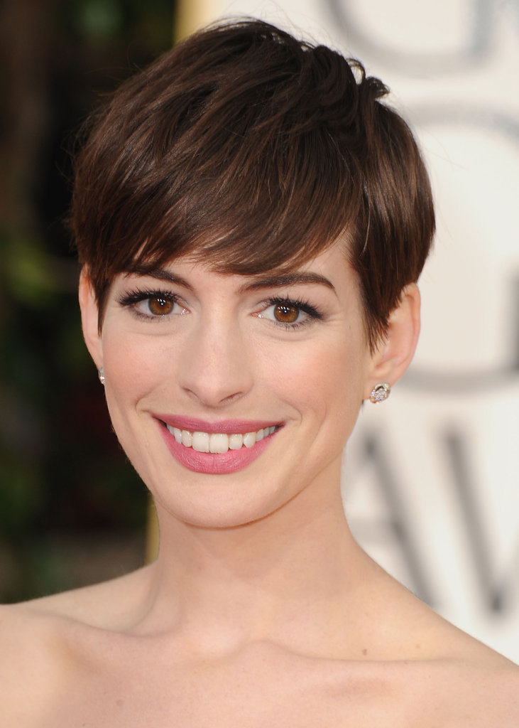 Anne Hathaway Wears White For Her Big Golden Globes Night