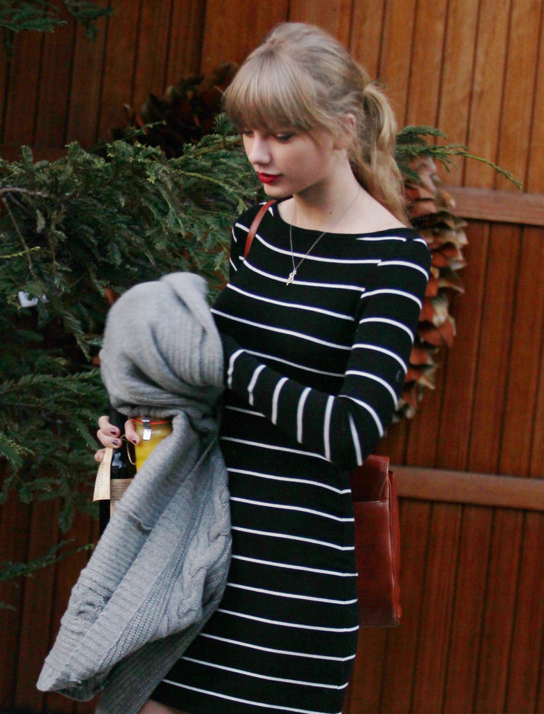 Taylor Swift wore red lipstick.