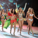 Video: Get Amazing Abs With Victoria's Secret Model Trainer