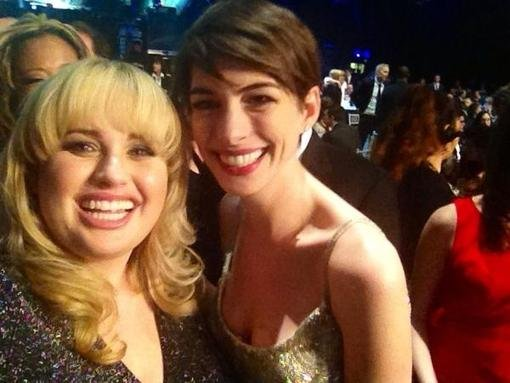 Rebel Wilson snapped a photo with Anne Hathaway during the Crtics' Choice Awards show. Source: Twitter user RebelWilson
