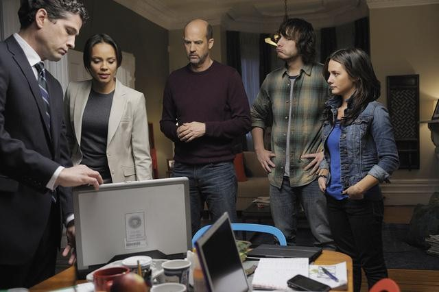 Nick Baillie, Addison Timlin, Scott Michael Foster, Carmen Ejogo, and Anthony Edwards in Zero Hour.<br />