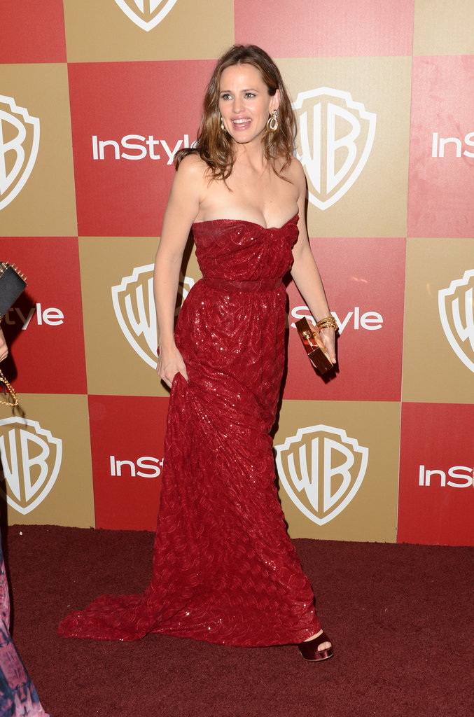 Jennifer Garner wore red.