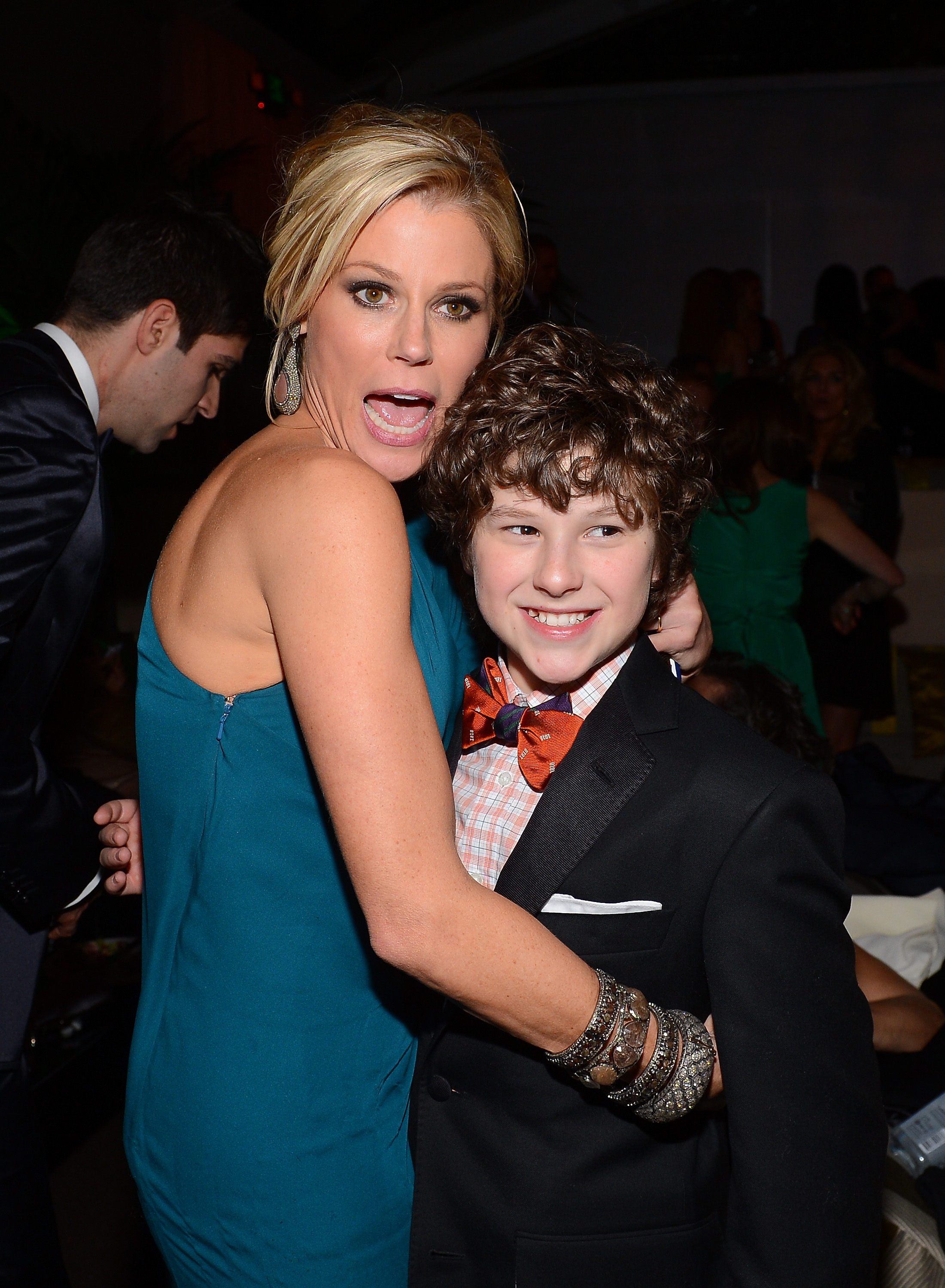 Costars Julie Bowen and Nolan Gould got silly at a Golden Globes after party.