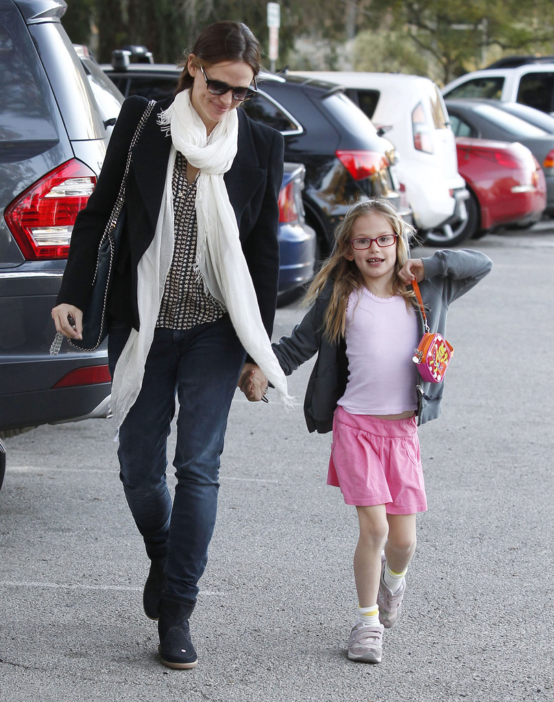 Jennifer Garner held Violet Affleck's hand on the way to the park in LA.