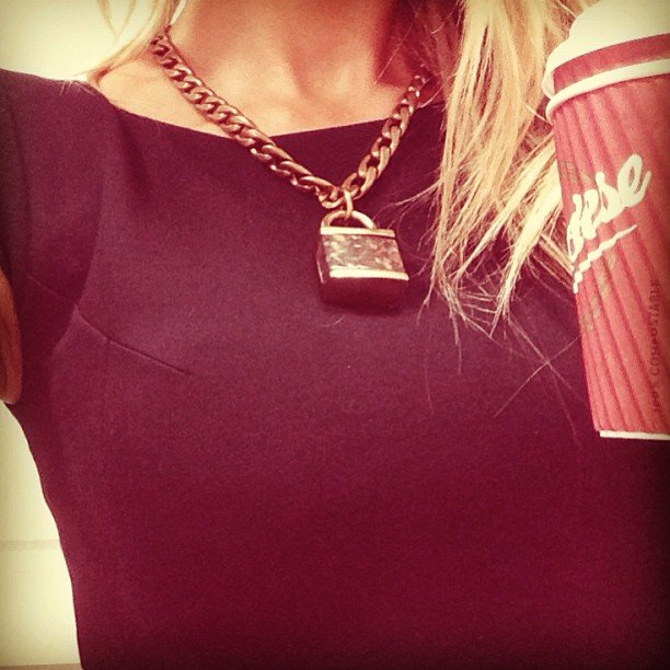 We're loving this chunky Deadly Ponies necklace that Jennifer Hawkins in wearing to perfection. So oversize, so cool. Source: Instagram user jenhawkins_