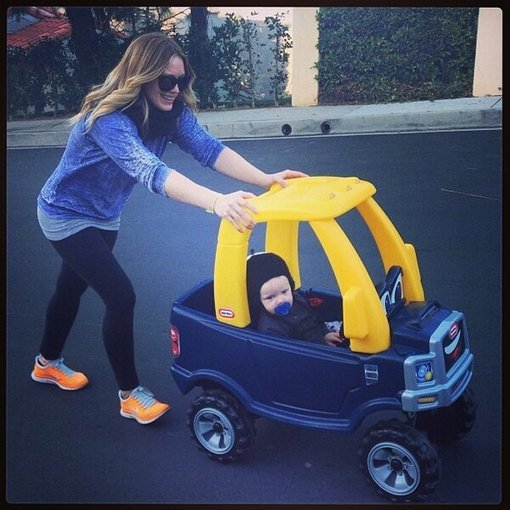 "Hilary Duff went ""cruisin'"" with her son, Luca Comrie. Source: Twitter user HilaryDuff"